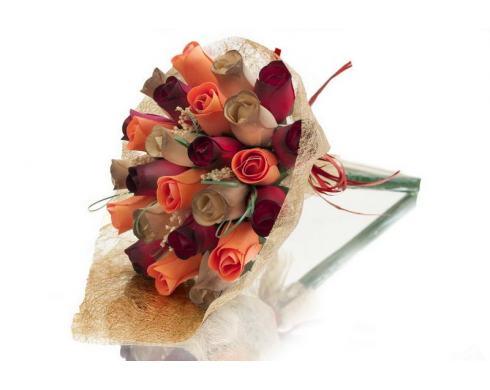"""Blumenstrauß aus Holzrosen """"TEDI"""""""